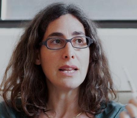 Sarah Koenig, uma das minhas novas jornalistas favoritas.  (Reprodução/Serial Podcast)
